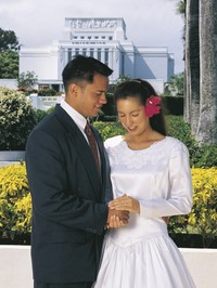 bridal couple, Laie Hawaii Temple