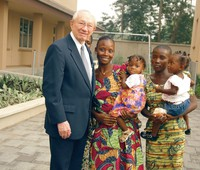 President Hinckley with African women, children