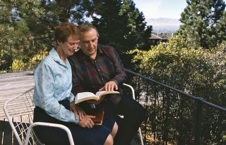 Richard and Jeanene Scott reading scriptures