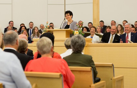 Sister Uchtdorf speaking in Norway