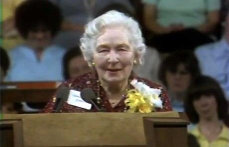 Sister Camilla Kimball speaking at the pulpit