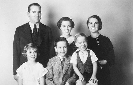 young Russell M. Nelson with his parents and siblings
